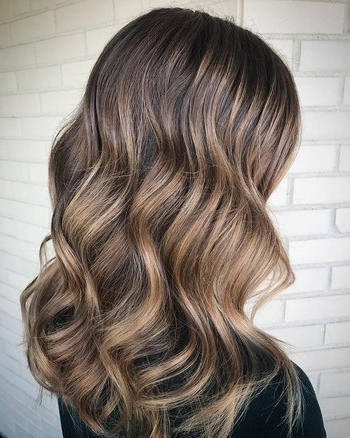 Dark Roots, Blonde Hair: The Perfect Low Maintenance Haircolor | Redken With Icy Highlights And Loose Curls Blonde Hairstyles (View 19 of 25)