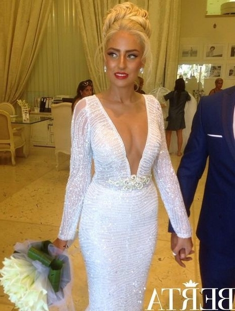 Dress, Red Lip, Wedding Dress, Wedding Clothes, Blonde Hair, Hair Pertaining To White Wedding Blonde Hairstyles (Gallery 22 of 25)