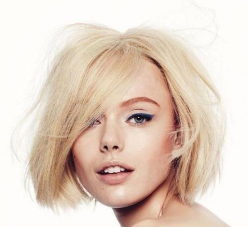 Elena Perminova's Platinum Blonde Hair In Straight Textured Bob Within Textured Platinum Blonde Bob Hairstyles (View 11 of 25)