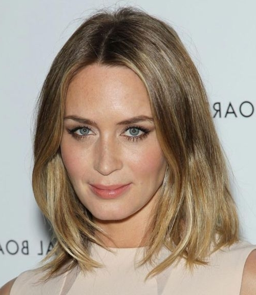 Emily Blunt Medium Blonde Hairstyle – Casual, Everyday – Careforhair Within Casual And Classic Blonde Hairstyles (View 17 of 25)