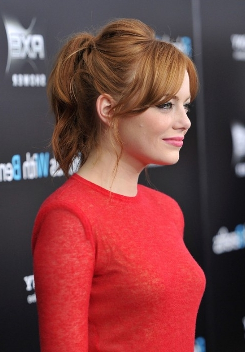 Emma Stone Messy Loose Ponytail With Bangs – Hairstyles Weekly For Messy Pony Hairstyles For Medium Hair With Bangs (View 15 of 25)