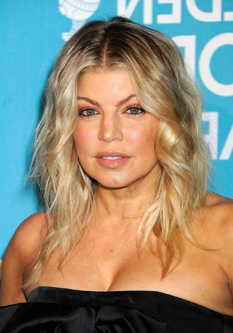 Fergie Layered Center Parted Shoulder Length Ombre Hair – Hairstyles For Tousled Shoulder Length Ombre Blonde Hairstyles (View 4 of 25)