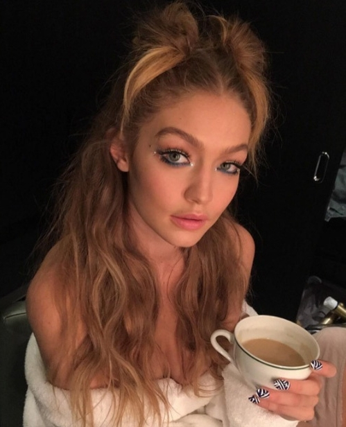 Gigi Hadid's 20 Best Hairstyles | Vogue Paris Throughout Gigi Hadid Inspired Ponytail Hairstyles (View 7 of 25)