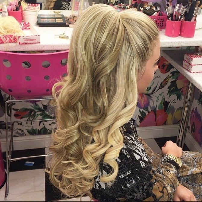 Featured Photo of Big And Bouncy Half Ponytail Hairstyles