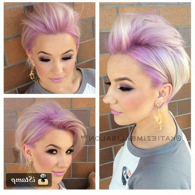 Heerlijke Korte Kapsels Met Een Mooie Pastelkleur! | Hair Regarding Platinum And Purple Pixie Blonde Hairstyles (View 5 of 25)