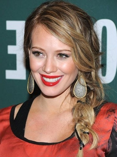 Hilary Duff Messy Side Braided Ponytail Hairstyle For Long Blode Inside Messy Side Braided Ponytail Hairstyles (View 23 of 25)