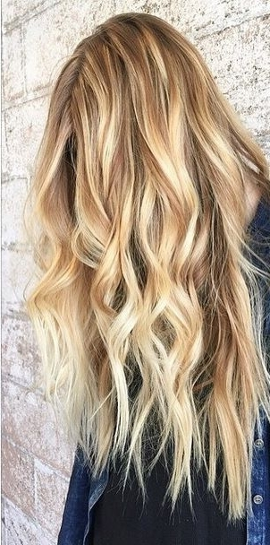Honey Blonde And Caramel Toned Balayage Highlights | Blondes Throughout Honey Hued Beach Waves Blonde Hairstyles (View 7 of 25)