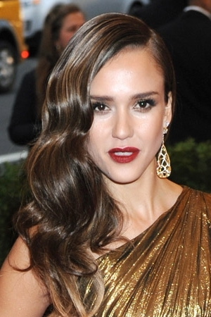 How To Create Old Hollywood Waves Like Jessica Alba And Jessica Regarding Retro Glam Ponytail Hairstyles (View 24 of 25)