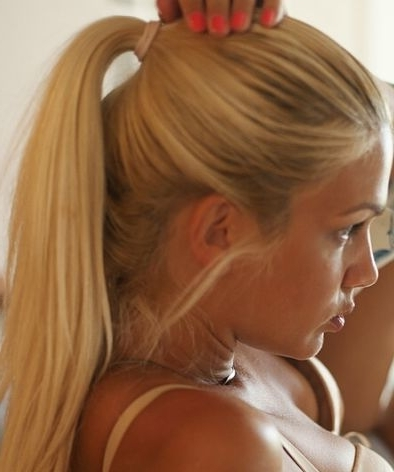 How To Get A Perfectly Flawless Poofy Ponytail Every Time | Terrific In Poofy Pony Hairstyles With Face Framing Strands (View 11 of 25)