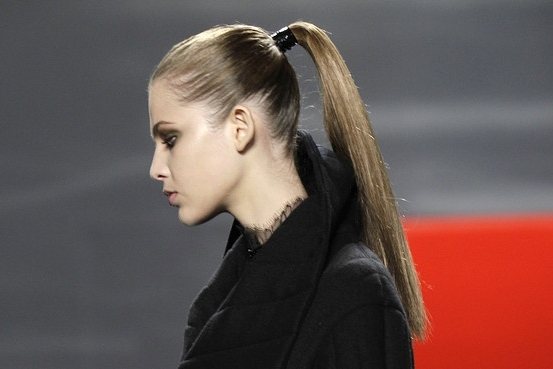 How To Get An Ultra Sleek Ponytail | The Beauty Bridge Connoisseur Pertaining To Super Sleek Ponytail Hairstyles (View 8 of 25)