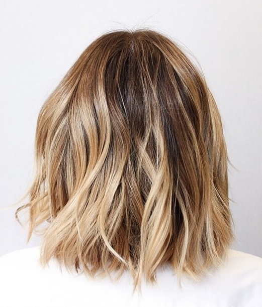 Featured Photo of Bronde Bob With Highlighted Bangs