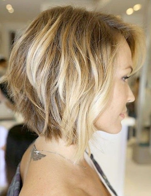 Inverted Bob With Loose Waves – Side View Of Bob Cut | Hair Regarding Gently Angled Waves Blonde Hairstyles (View 8 of 25)