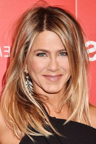 Jennifer Aniston Hairstyles – Celebrity Hair, The Rachel | Glamour Uk Intended For Honey Hued Beach Waves Blonde Hairstyles (View 24 of 25)