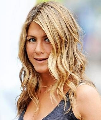 Jennifer Aniston's Hair Secrets Inside Side Bangs And Pony Hairstyles For Wavy Hair (View 17 of 25)