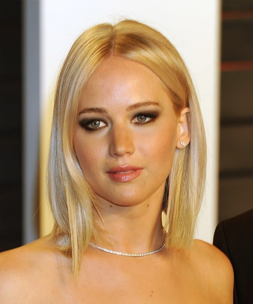 Jennifer Lawrence Medium Straight Casual Bob Hairstyle – Light With Casual And Classic Blonde Hairstyles (View 20 of 25)