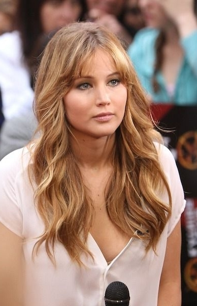 Jennifer Lawrence's Split Bangs | Bodacious Bangs In 2018 In Bodacious Blonde Waves Blonde Hairstyles (View 20 of 25)