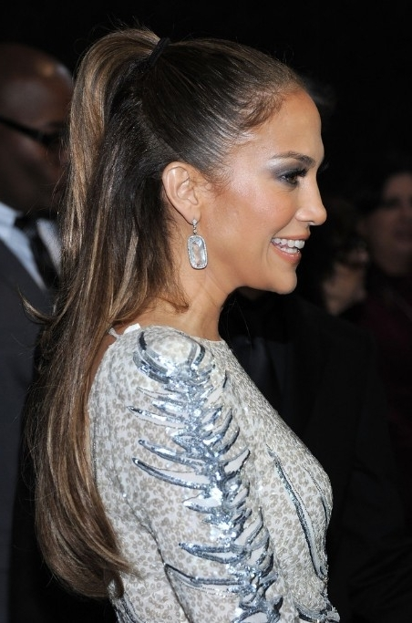 Jennifer Lopez Half Up Half Down Ponytail Hairstyle – Hairstyles Weekly Within Half Up Curly Look Pony Hairstyles (View 21 of 25)