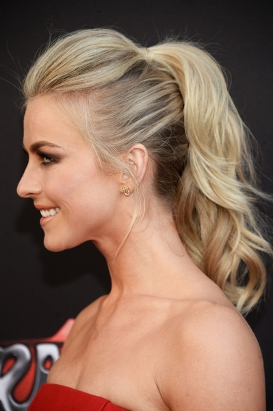 Julianne Hough Ponytail – Julianne Hough Hair Looks – Stylebistro Regarding Pompadour Pony Hairstyles (View 24 of 25)