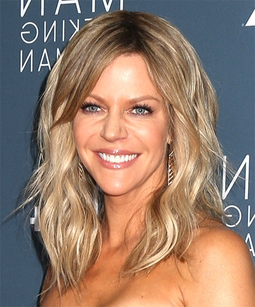 Kaitlin Olson Long Wavy Casual Hairstyle With Side Swept Bangs Within Light Ash Locks Blonde Hairstyles (View 16 of 25)
