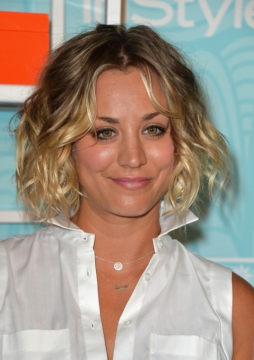 Kaley Cuoco Short Curly Brown To Blonde Ombre Bob Hairstyle | Styles For Brown To Blonde Ombre Curls Hairstyles (View 21 of 25)