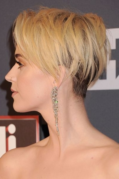 Katy Perry Reveals The Real Reason She Cut Her Hair | Celebrities Intended For Paper White Pixie Cut Blonde Hairstyles (View 23 of 25)