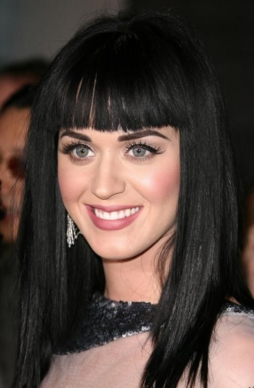 Katy Perry With Blunt Bangs Hairstyle | Makeup Inspiration In Pineapple Pony Hairstyles With Whirl Bangs (View 15 of 25)