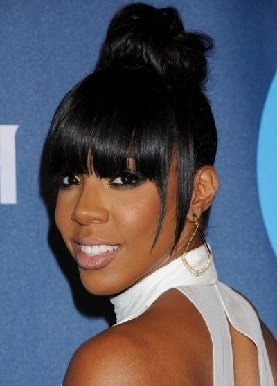 Kelly Rowland High Bun Blunt Hair With Bangs | African American Regarding Weaved Polished Pony Hairstyles With Blunt Bangs (View 12 of 25)