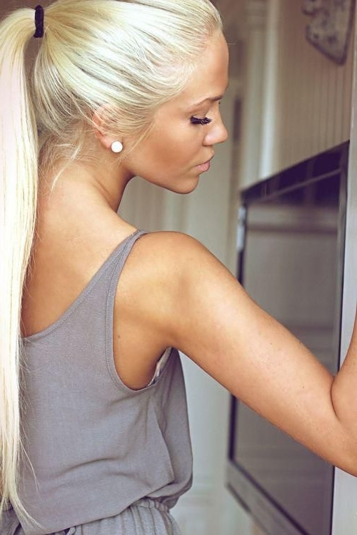 Light Blonde | Gorgeous Hair Don't Care | Pinterest | Blondes Regarding Bubbly Blonde Pony Hairstyles (View 9 of 25)