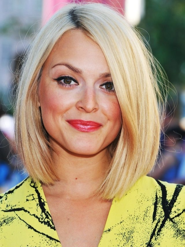 Long Bob: Fearne Cotton Sleek Blonde Bob | Bob Hairstyle | Pinterest Within Sleek White Blonde Lob Hairstyles (View 6 of 25)