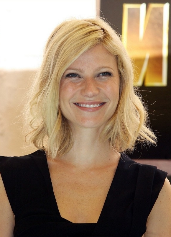 Long Bob Hairstyle With Casual Half Done Twists: Gwyneth Paltrow's Intended For Blonde Lob Hairstyles With Sweeping Bangs (View 16 of 25)