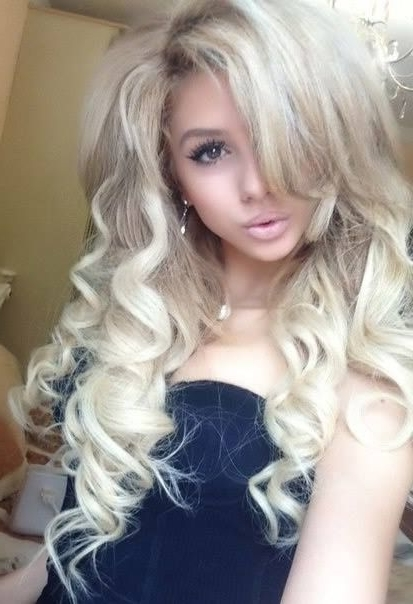 Featured Photo of Platinum Blonde Long Locks Hairstyles