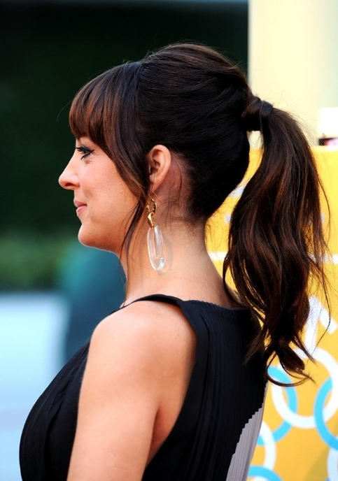 Loose Ponytail – Hairstyles Weekly In Low Loose Pony Hairstyles With Side Bangs (View 5 of 25)
