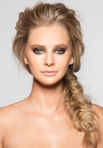 Featured Photo of Messy Volumized Fishtail Hairstyles
