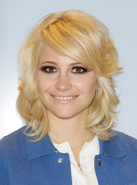Pixie Lott Layered Medium Length Side Swept Bangs Intended For Side Swept Warm Blonde Hairstyles (View 20 of 25)