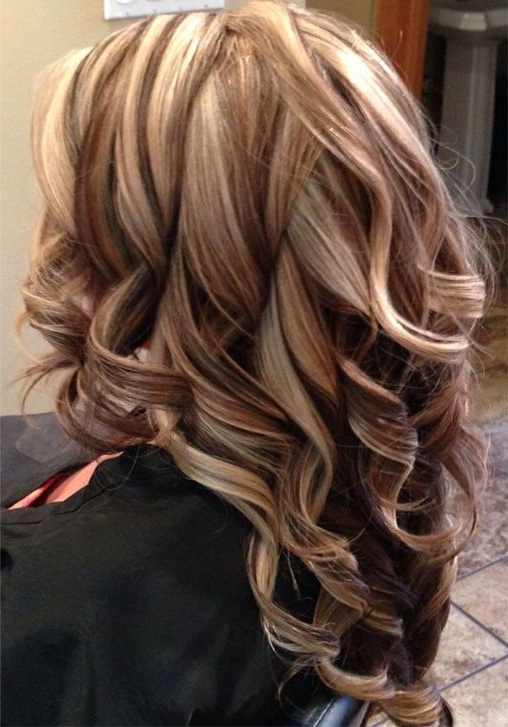 Pretty Bold Highlight Long Layered Hairstyles For Women | Lovely For Dark Locks Blonde Hairstyles With Caramel Highlights (View 24 of 25)