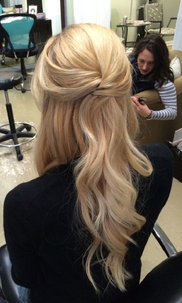 Pretty Half Up Half Down Wedding Hairstyle In 2018   Wedding With Big And Bouncy Half Ponytail Hairstyles (View 3 of 25)