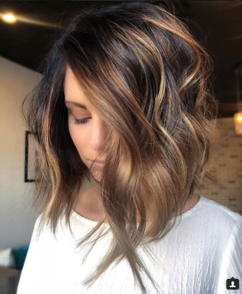 Proof That Beach Waves Were Made For Shoulder Length Hair – Coastal Intended For Beachy Waves Hairstyles With Blonde Highlights (View 20 of 25)