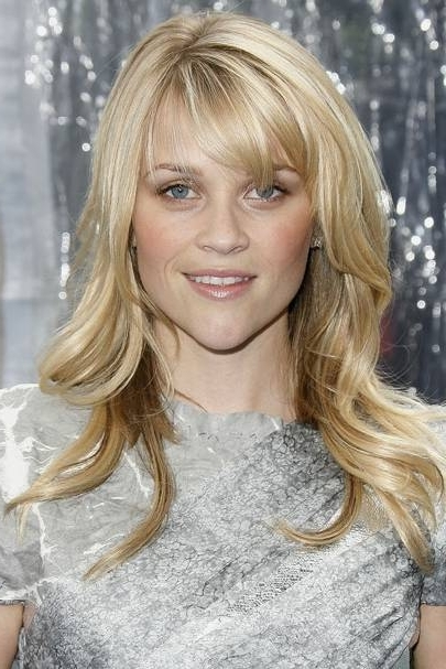 Reese Witherspoon: Hairstyles & Beauty Looks | Glamour Uk Regarding Side Swept Warm Blonde Hairstyles (View 21 of 25)