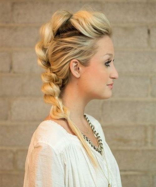 Featured Photo of Sassy Side Ponytail Hairstyles