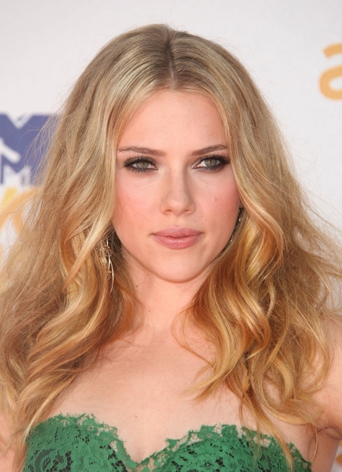 Scarlett Johansson Hairstyles: Scarlett's Best Hair Photos Within Glamorous Mid Length Blonde Bombshell (View 25 of 25)