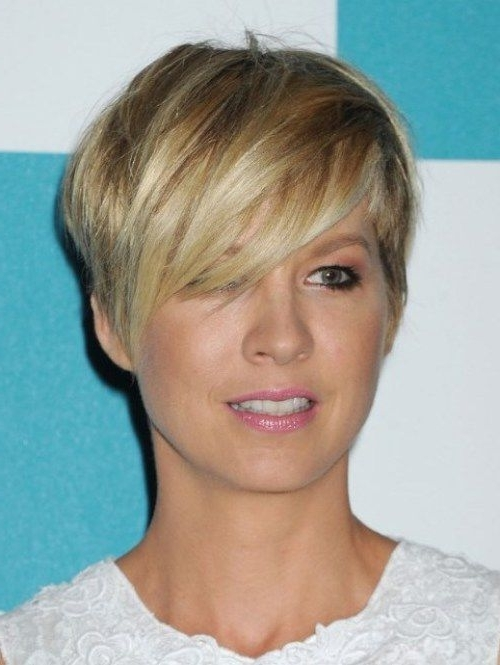 Short Choppy Hairstyles Side Parting Pixie Crop Within 2018 Choppy Side Parted Pixie Bob Hairstyles (View 3 of 25)