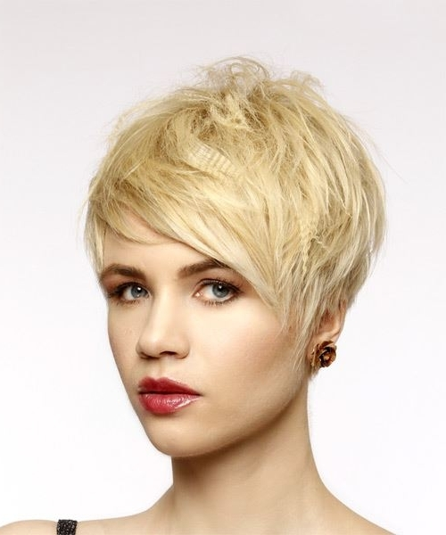 Short Straight Casual Pixie Hairstyle With Side Swept Bangs – Light Pertaining To Side Swept Warm Blonde Hairstyles (View 18 of 25)