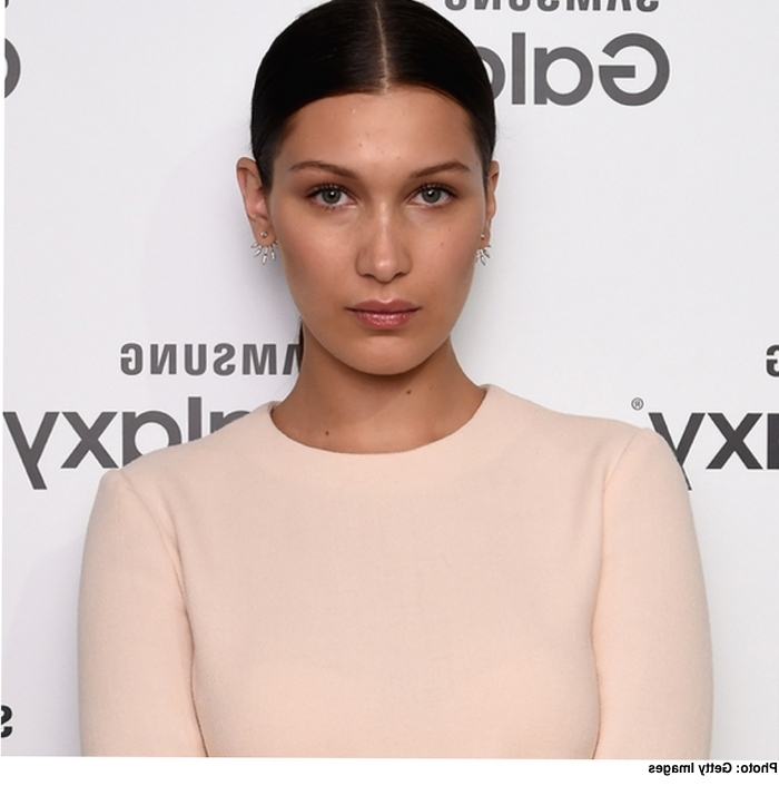 Stylenoted | Hair How To: Bella Hadid's Polished Pony With Regard To Gigi Hadid Inspired Ponytail Hairstyles (View 21 of 25)