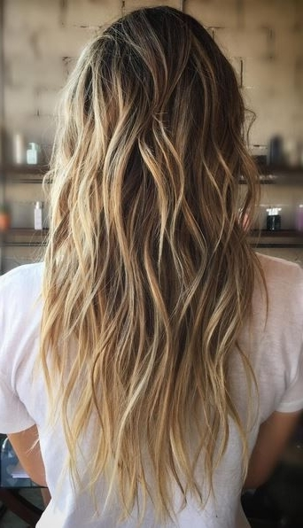 Featured Photo of Bronde Beach Waves Blonde Hairstyles