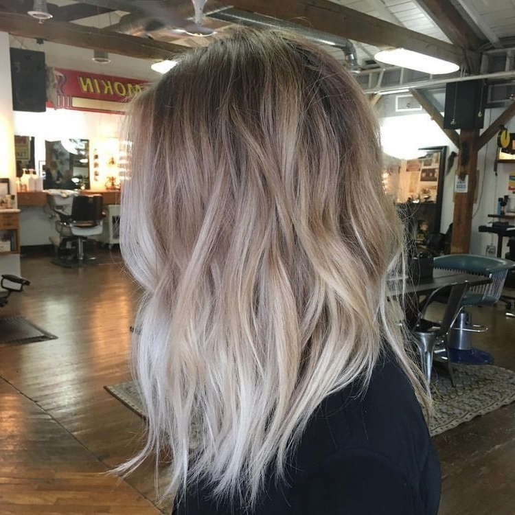 Featured Photo of Grown Out Balayage Blonde Hairstyles
