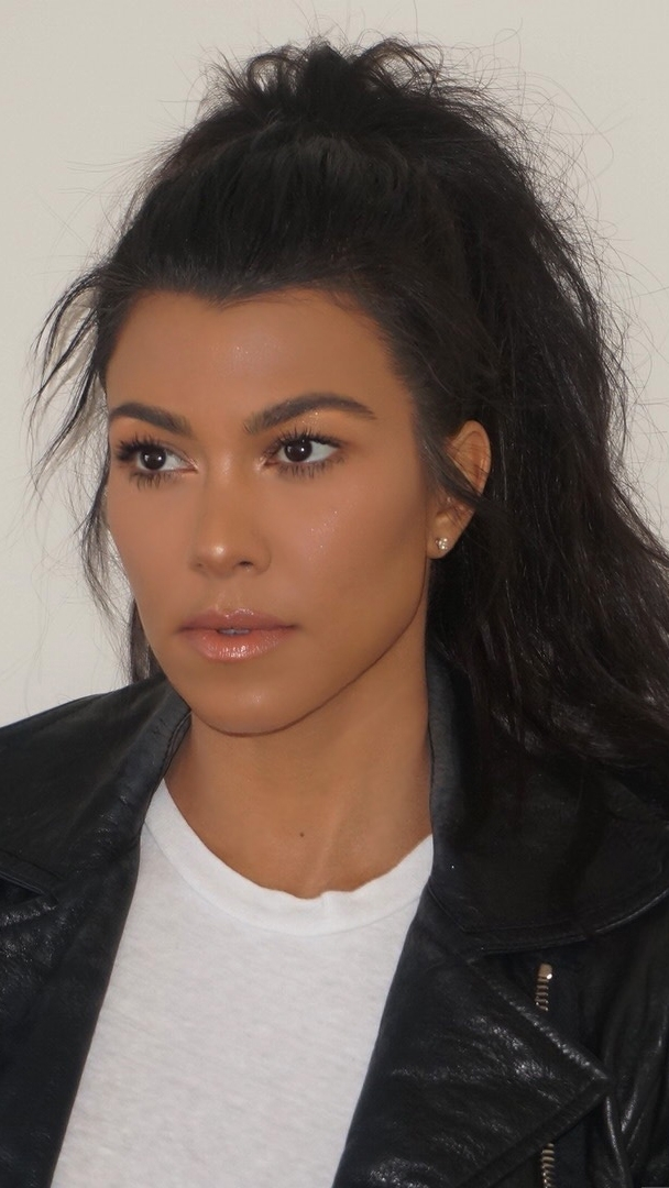 Tips For The Perfectly Tousled High Ponytail – Kourtney Kardashian In High And Tousled Pony Hairstyles (View 10 of 25)