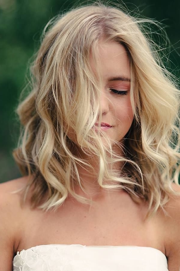 Featured Photo of Tousled Shoulder Length Waves Blonde Hairstyles