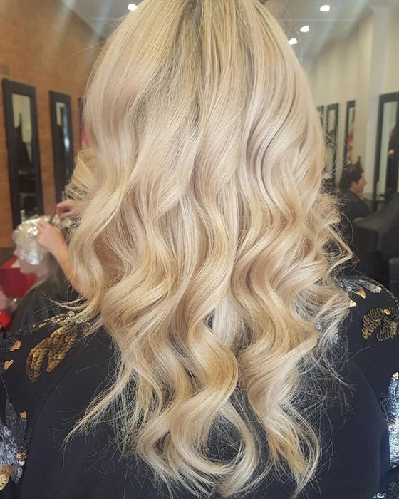 Top 40 Blonde Hair Color Ideas In Soft Flaxen Blonde Curls Hairstyles (View 7 of 25)