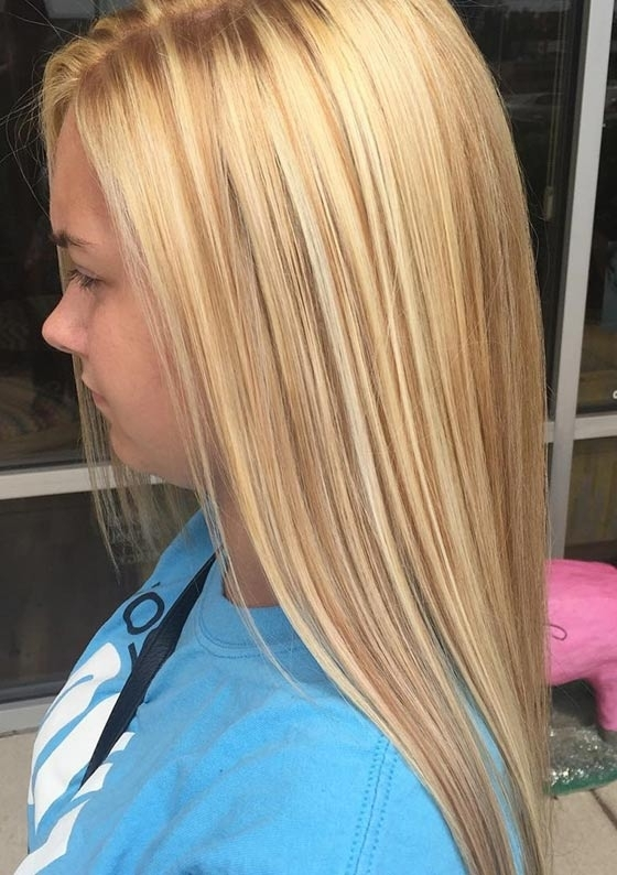 Top 40 Blonde Hair Color Ideas With Soft Flaxen Blonde Curls Hairstyles (View 18 of 25)