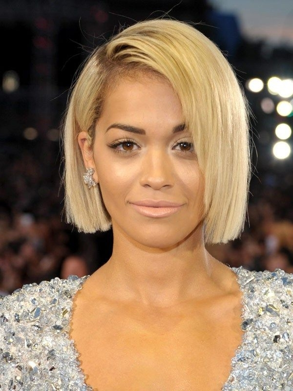 Displaying Gallery Of White Blunt Blonde Bob Hairstyles View 17 Of